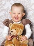 lachendes-kleines-mädchen